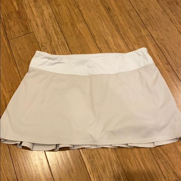 lululemon athletica Dresses & Skirts - Lululemon pacesetter skirt rare Dune fabric
